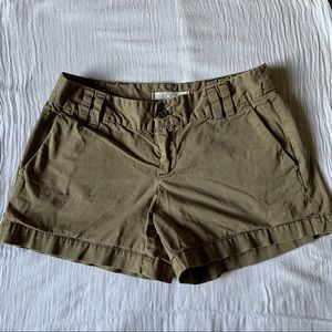 ❗️3 for $25❗️Olive Green Ann Taylor LOFT Shorts